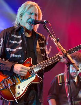Joe Walsh and his Duesenberg guitar